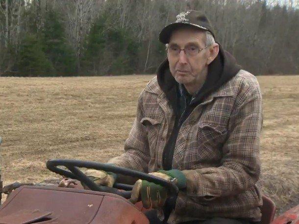 vieux paysan tracteur